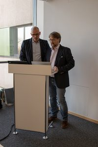 Prof. Dr. Markus Thomzik und Gerd Carl beim 3D-Mapping Workshop